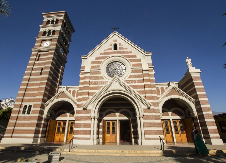 Matrimonio Iglesia Plaza Ñuñoa