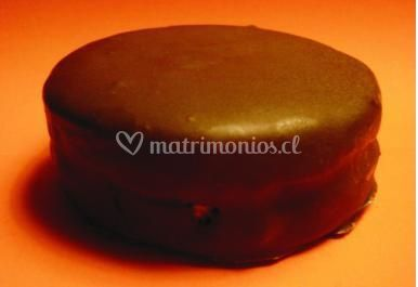 Alfajor cubierto de chocolate