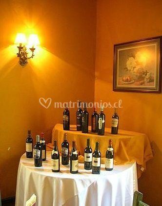 Mesa de vinos