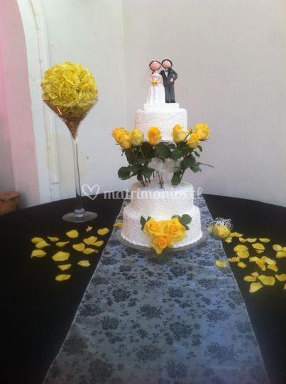 Decoración floral torta