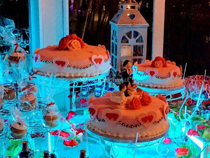 Set tortas novios y cupcakes