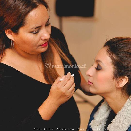 Maquillaje y peinado de novias