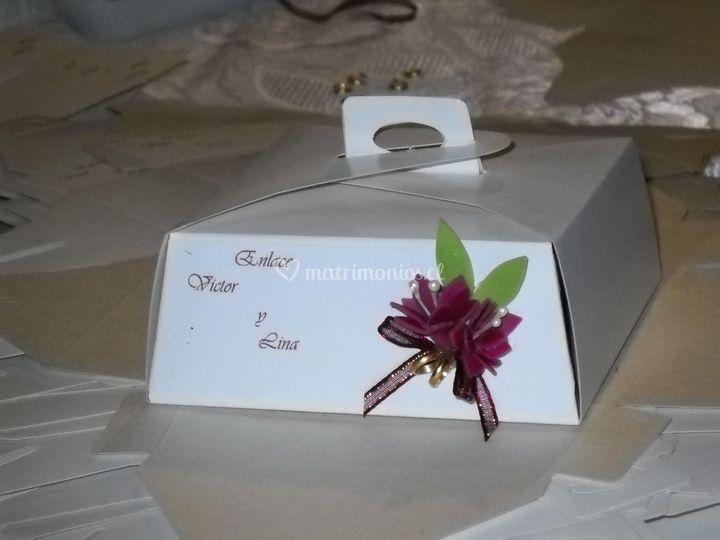 Caja porción de torta decorada