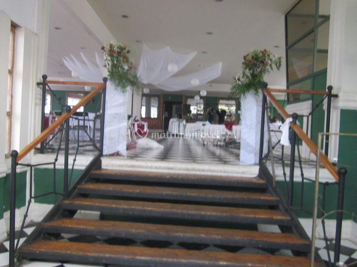 Escaleras de sal n de eventos aguayo foto 3 for Escaleras de salon