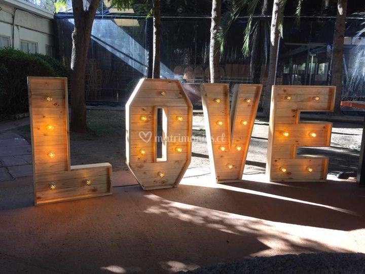 Love 1, 20x65