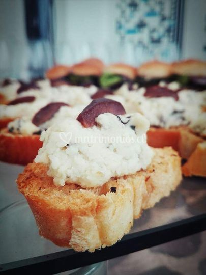 Crostini de queso de cabra