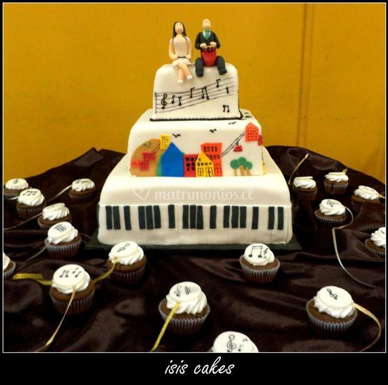 Torta boda valparaiso y piano.