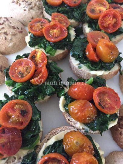 Mini sandwich veganos