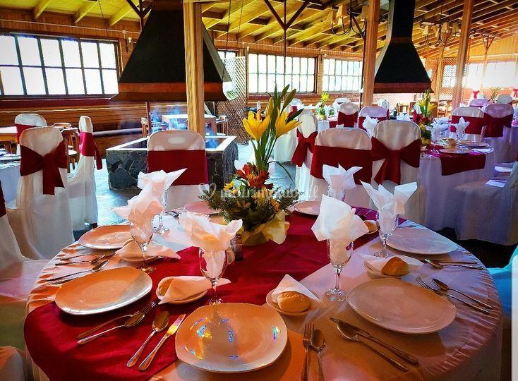 Salón Madero Rojo