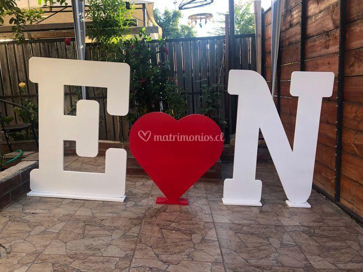 2 iniciales y un corazón