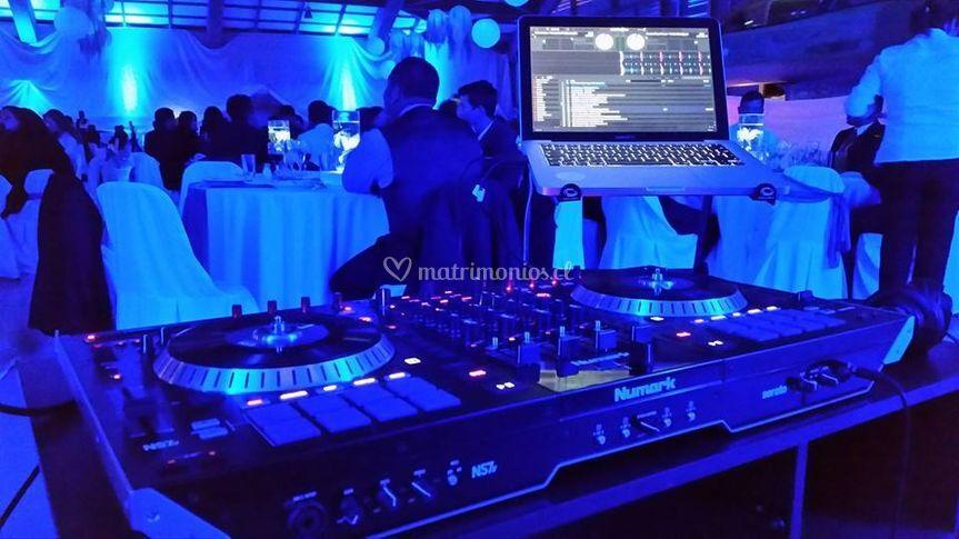 Iluminación y DJ
