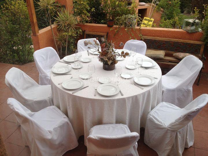 Mesa color blanco sencilla