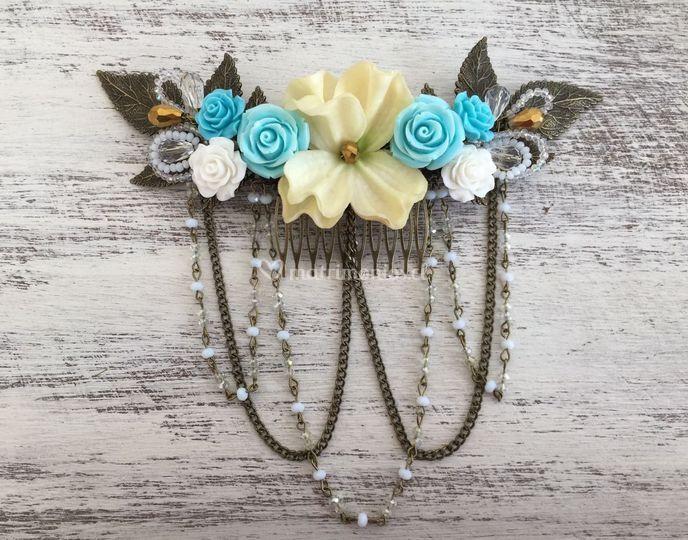 Media corona flores cadena