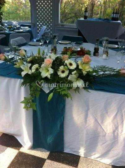 Centro mesa novios lazos azule