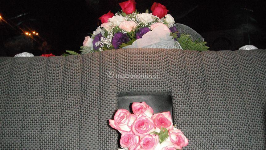 Arreglo floral y ramo novia