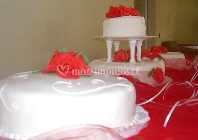 Torta de rosas rojas