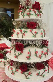 Torta de cuatro pisos