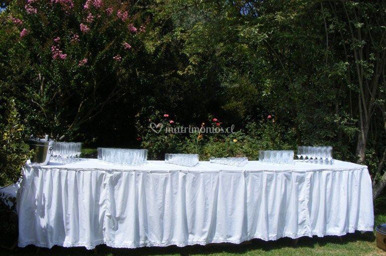 Mesa de copas en el jardin