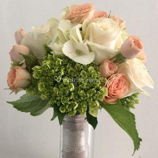 Ramo novia hortensias verdes