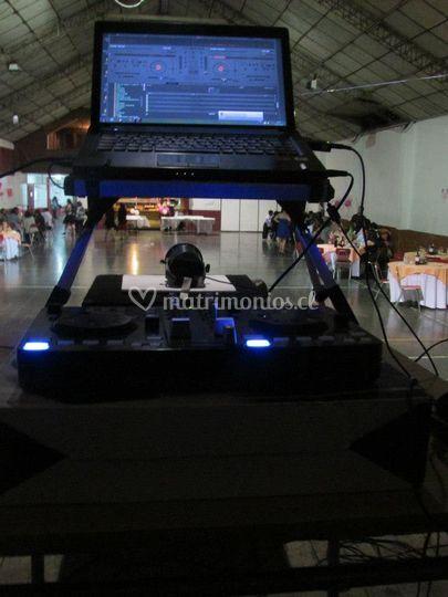 Consola de DJ y karaoke