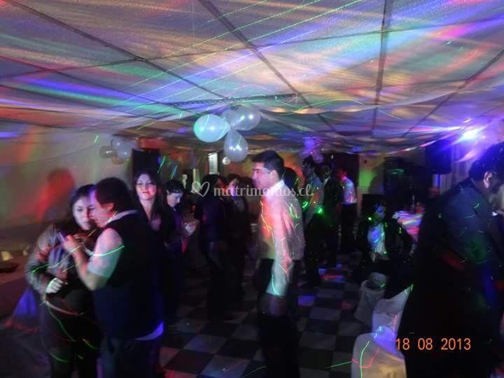Pantalla gigante y karaoke