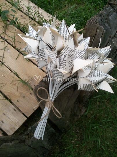 Bouquette de flores de papel