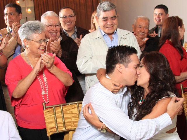 El matrimonio de Jairo y Doraly en Santiago, Santiago 11