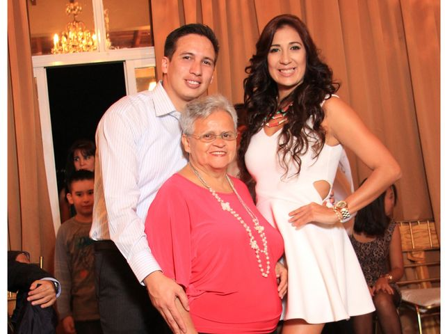 El matrimonio de Jairo y Doraly en Santiago, Santiago 35