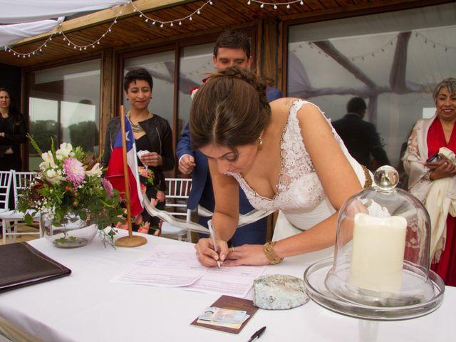 El matrimonio de Alberto y Loreto en Pichilemu, Cardenal Caro 18