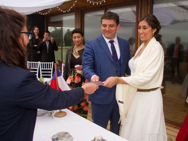 El matrimonio de Alberto y Loreto en Pichilemu, Cardenal Caro 21