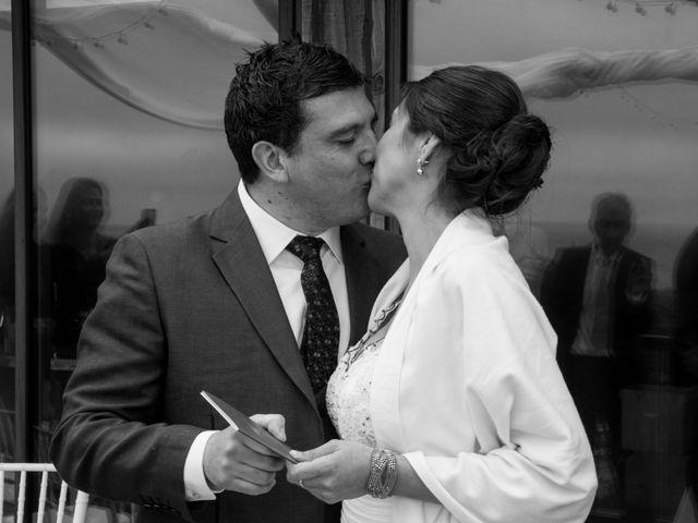 El matrimonio de Alberto y Loreto en Pichilemu, Cardenal Caro 23