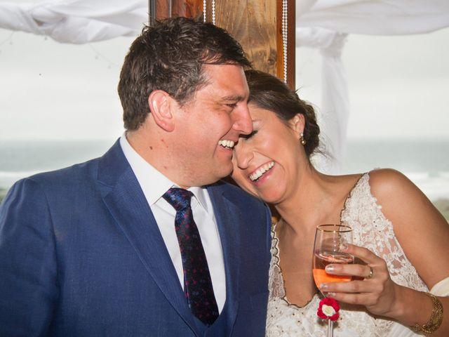 El matrimonio de Alberto y Loreto en Pichilemu, Cardenal Caro 30