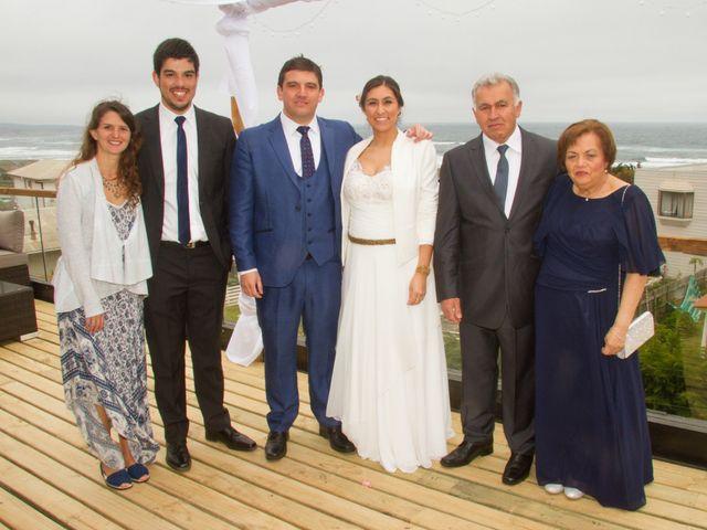 El matrimonio de Alberto y Loreto en Pichilemu, Cardenal Caro 32