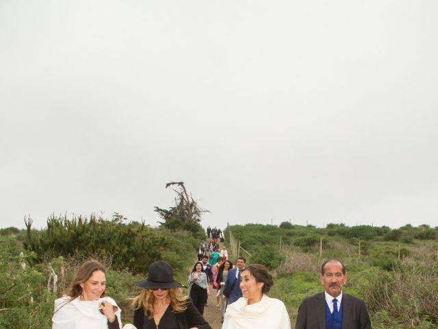 El matrimonio de Alberto y Loreto en Pichilemu, Cardenal Caro 35