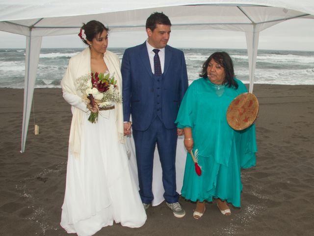 El matrimonio de Alberto y Loreto en Pichilemu, Cardenal Caro 37