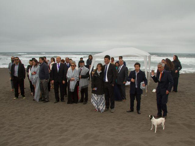 El matrimonio de Alberto y Loreto en Pichilemu, Cardenal Caro 38