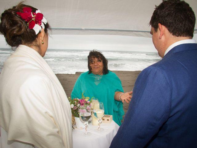 El matrimonio de Alberto y Loreto en Pichilemu, Cardenal Caro 40