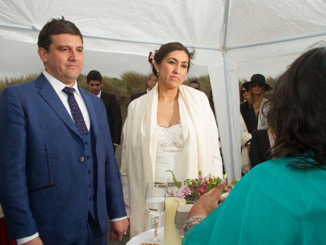 El matrimonio de Alberto y Loreto en Pichilemu, Cardenal Caro 41