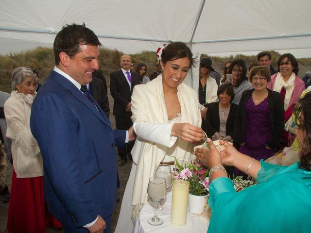El matrimonio de Alberto y Loreto en Pichilemu, Cardenal Caro 44
