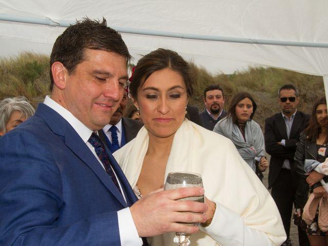 El matrimonio de Alberto y Loreto en Pichilemu, Cardenal Caro 49