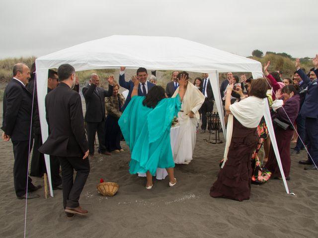 El matrimonio de Alberto y Loreto en Pichilemu, Cardenal Caro 50