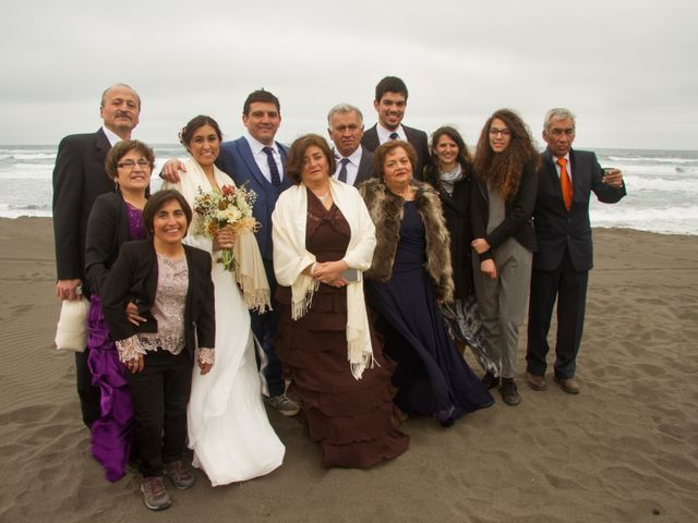 El matrimonio de Alberto y Loreto en Pichilemu, Cardenal Caro 51