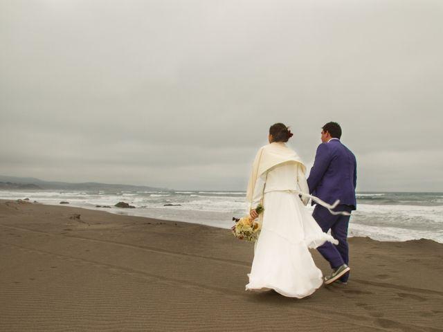 El matrimonio de Alberto y Loreto en Pichilemu, Cardenal Caro 52