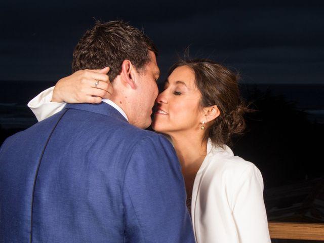 El matrimonio de Alberto y Loreto en Pichilemu, Cardenal Caro 60