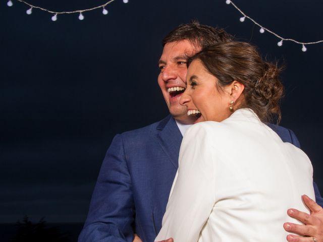El matrimonio de Alberto y Loreto en Pichilemu, Cardenal Caro 62