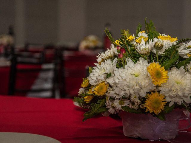 El matrimonio de Óscar y Marcela en Sagrada Familia, Curicó 3