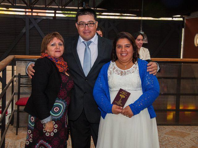 El matrimonio de Óscar y Marcela en Sagrada Familia, Curicó 10
