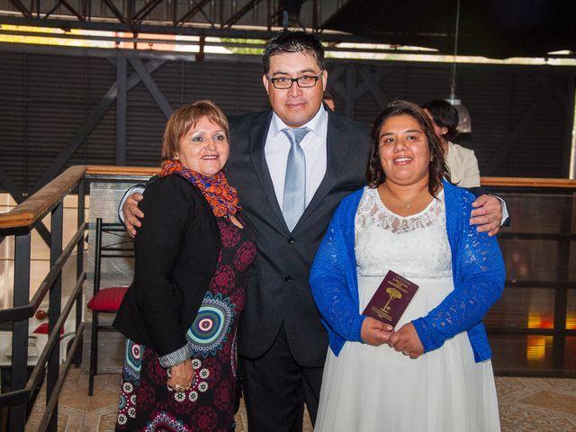 El matrimonio de Óscar y Marcela en Sagrada Familia, Curicó 11