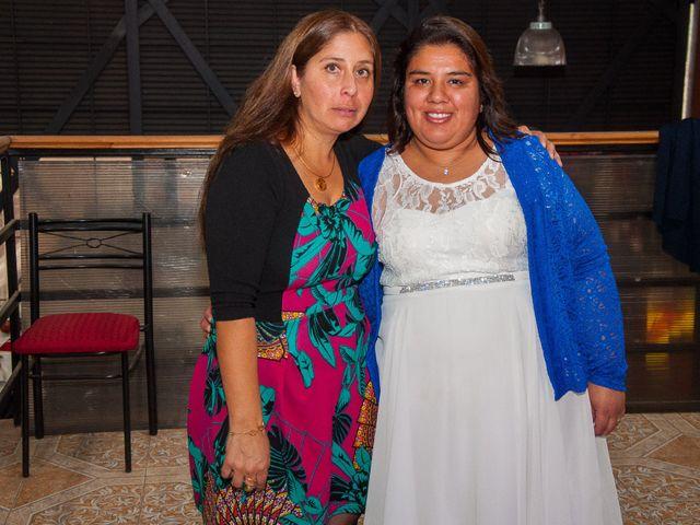 El matrimonio de Óscar y Marcela en Sagrada Familia, Curicó 19