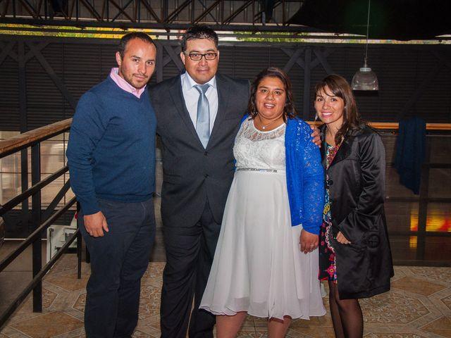 El matrimonio de Óscar y Marcela en Sagrada Familia, Curicó 1